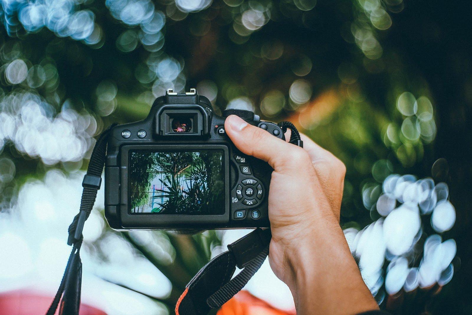 есть ли фотоаппараты которые показывают прошлое дает бег обычным